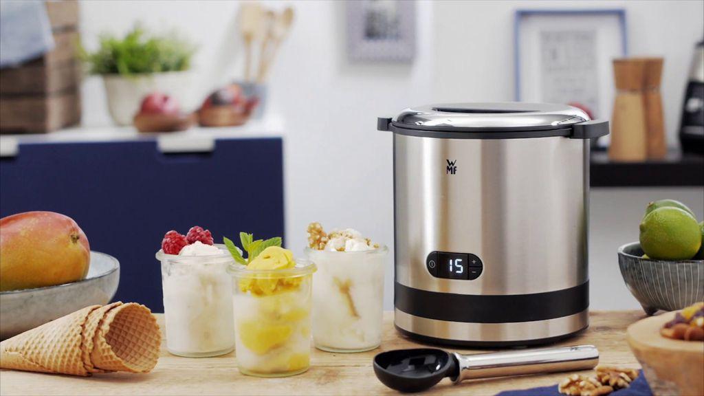 Mẻ kem ngon lành được làm từ máy làm kem WMF sẽ là món quà của bạn dành cho các con trong gia đình