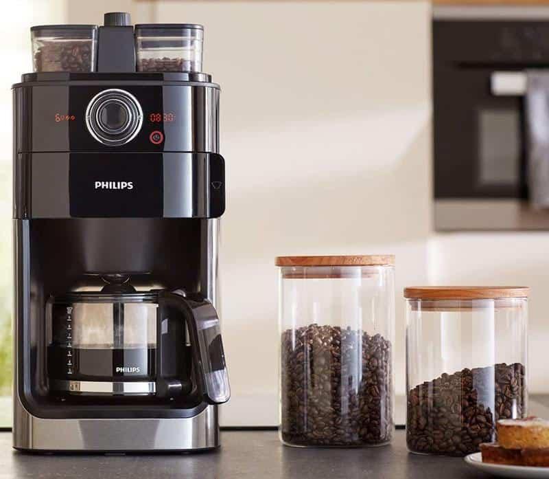 Máy Pha Cà Phê Philips HD7769/00 bằng thép không gỉ cải tiến xay những hạt cà phê tươi cho số lượng cà phê mong muốn với hương thơm nồng nàn ngay trước khi cà phê được pha