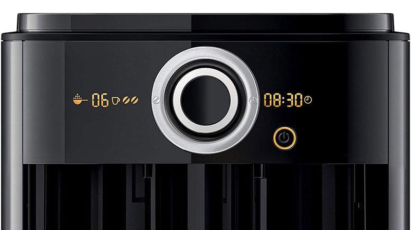 Máy Pha Coffee Philips HD7769/00 có giao diện người dùng của máy pha cà phê là màn hình LCD và công tắc xoay độc đáo để dễ dàng điều chỉnh