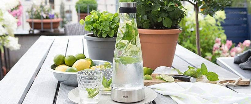 Bình giữ lạnh Emsa Flow Classic 515668 với miệng rót bằng thép không gỉ, bạn có thể rót thức uống thật đơn giản, không lo nhiễu nước.