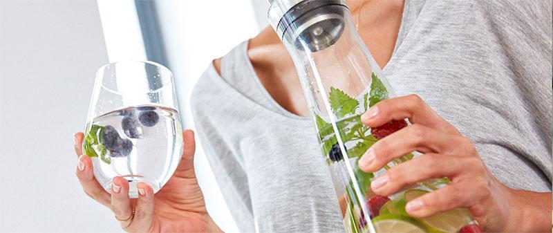 Bình Emsa Flow Classic 515668 giữ lạnh thủy tinh 4 giờ uống, giúp bạn uống nước lạnh thoải mái