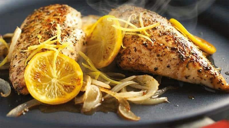 Đặc tính chống dính rất tốt, cho phép nấu ăn ít chất béo, dầu mỡ, giúp món ăn giữ lại nhiều vitamin cũng như tốt cho sức khỏe hơn.