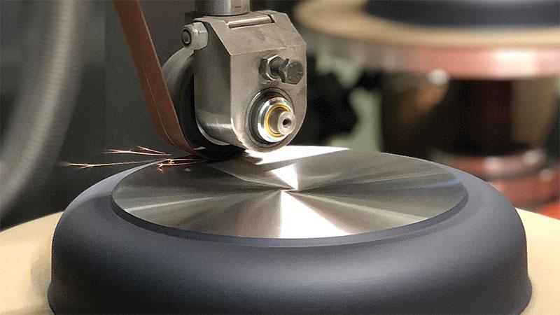 Đáy chảo WOLL Diamond Lite Fry Pans 20cm làm bằng thép chuyên dụng và công nghệ cảm ứng nhiệt mới giúp nồi