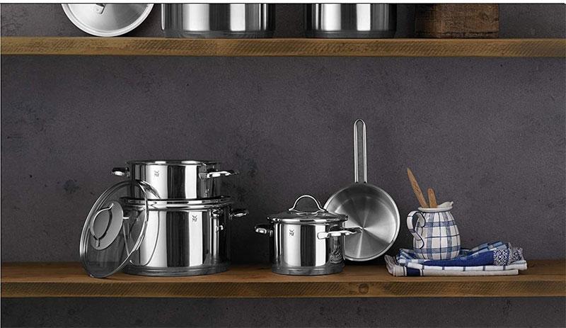 Tay cầm có hình dáng cong cổ điển làm bằng thép không gỉ và thiết kế hiện đại của chúng sẽ phù hợp với bất kỳ nhà bếp nào
