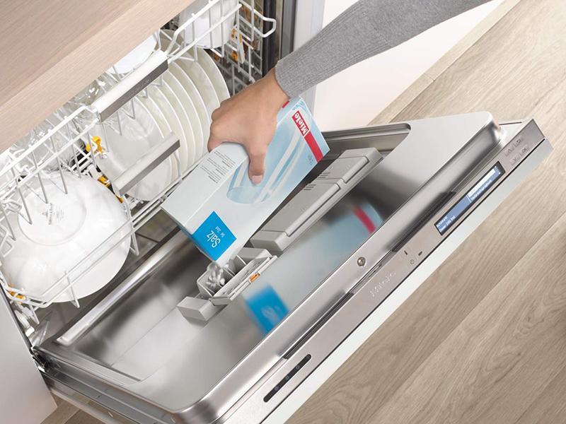 Nước trợ xả cho máy rửa chén bát
