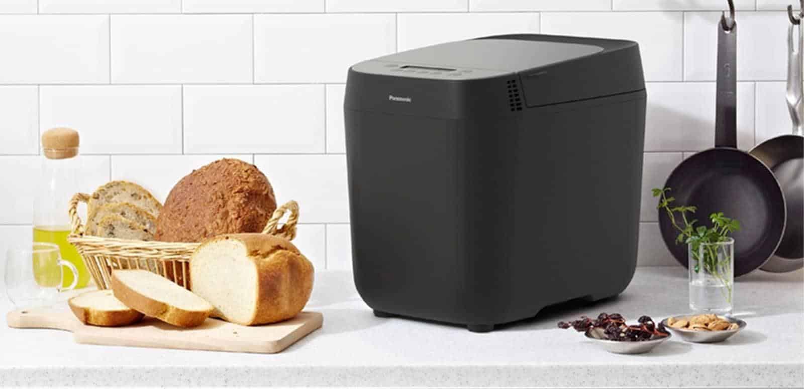 Máy làm bánh mì Panasonic với mức giá gần 6.000.000 đồng - khá chát nhưng chất lượng thì khỏi bàn