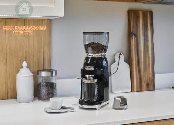 MÁY XAY CAFE SMEG CGF01BLEU màu đen