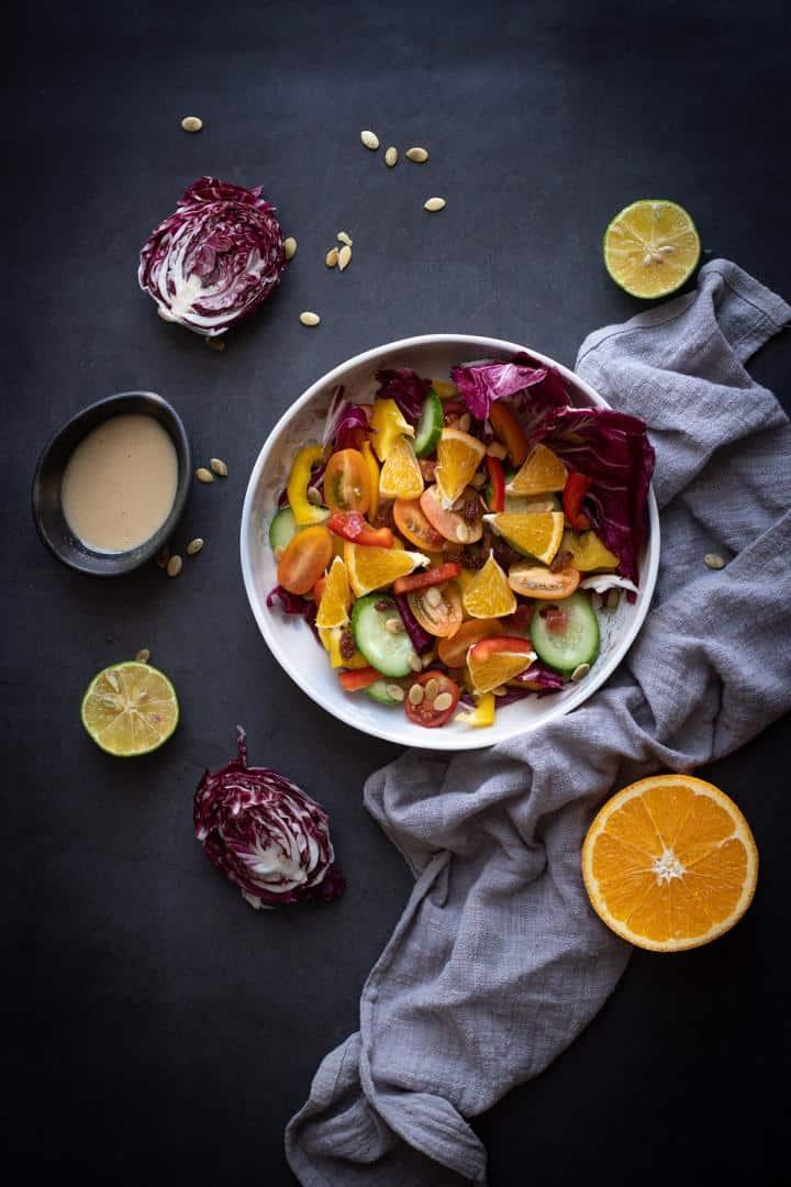 Dùng nước cam từ máy vắt cam WFM của Đức, thêm một chút dầu ăn, muối, tiêu và đường sẽ tạo ra nước sốt cam thần thánh