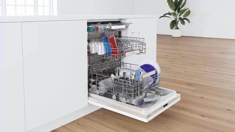 Máy rửa bát Bosch SMV6ZCX49E Series 6 giúp lượng nước tiêu thụ, nhiệt độ nước và thời gian rửa được điều chỉnh chính xác theo mức độ bẩn của bát đĩa
