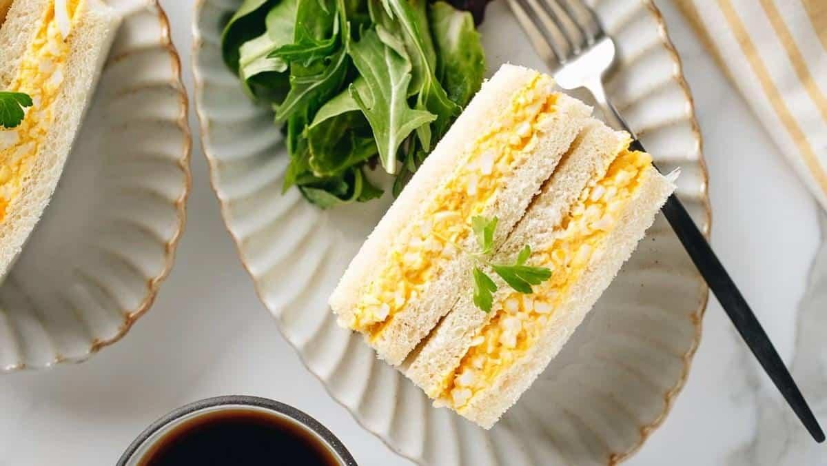 banh mi sandwich kep trung