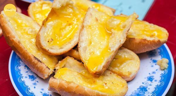 cách làm bánh mì nướng bơ tỏi đơn giản tại nhà
