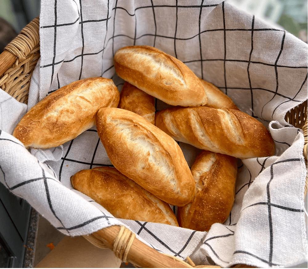 Cách làm bánh mì đặc ruột tại nhà đơn giản bằng lò nướng
