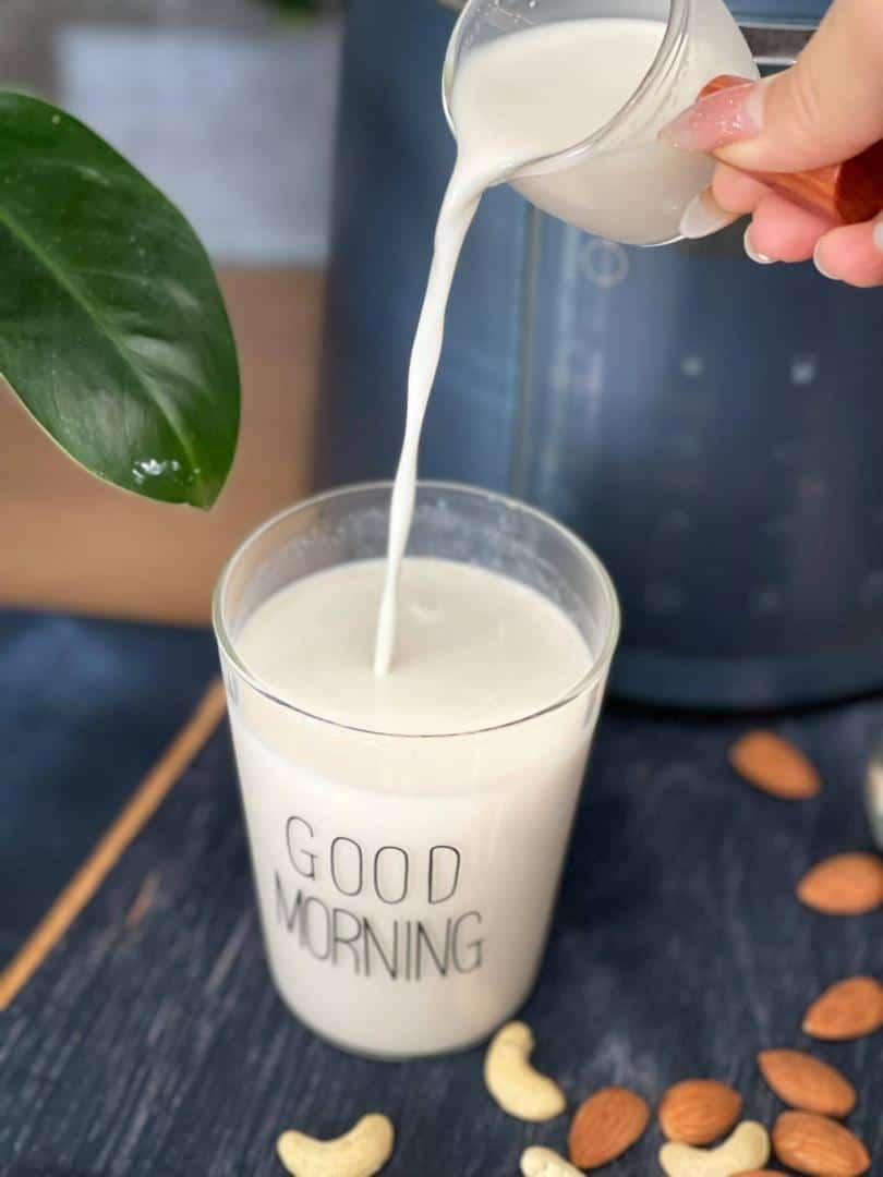 Công Thức Làm Sữa Hạt Bằng Máy Xay Sinh Tố