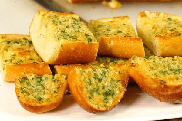 bánh mỳ nướng bơ tỏi