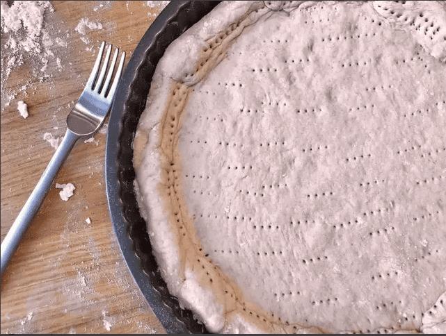 pizza nhân thịt nguội viền phô mai