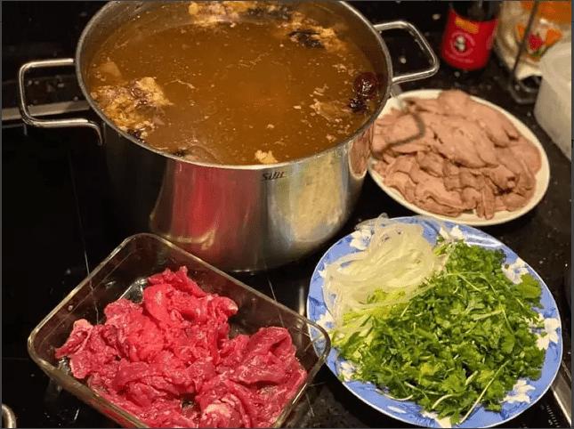 Cách nấu phở bò ngon nước dùng đậm đà mà đơn giản