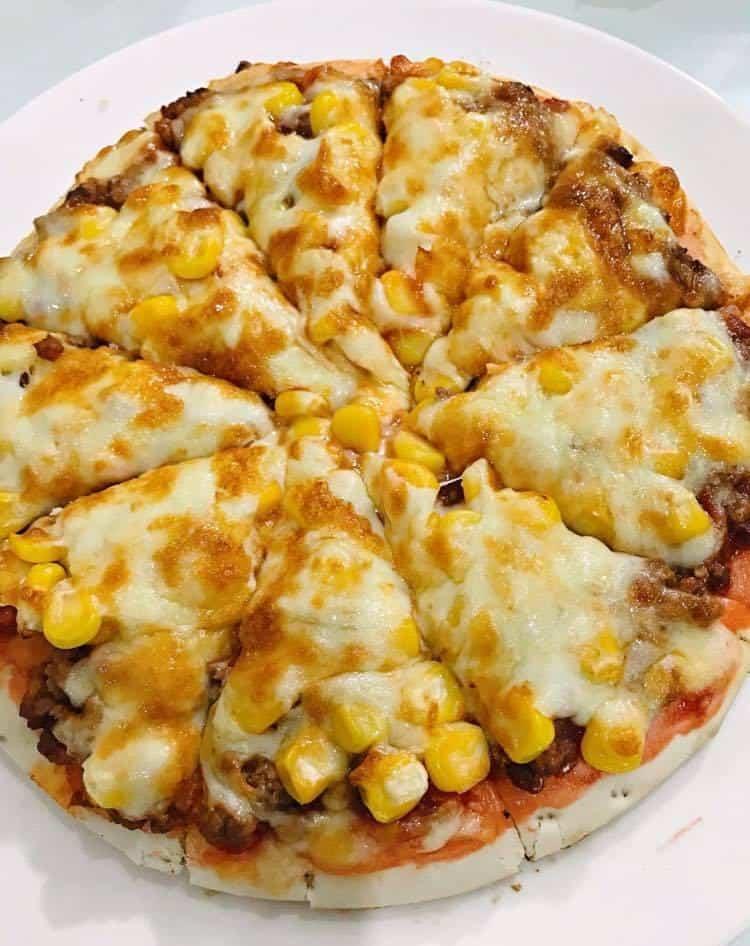 cách làm bánh pizza bò bằng nồi chiên không dầu