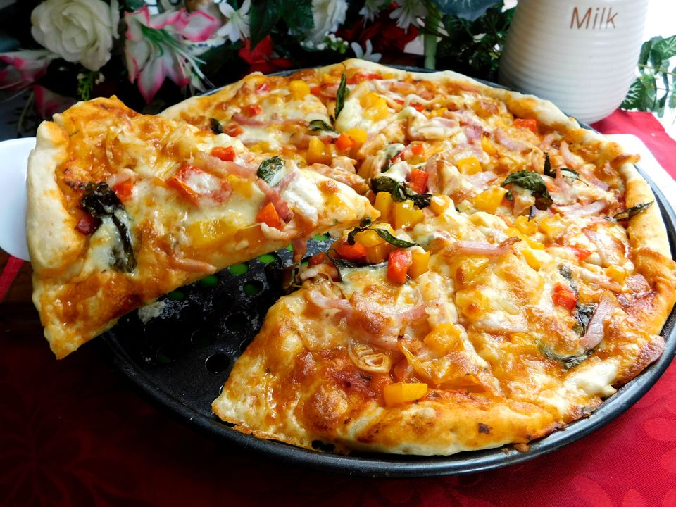 Cách làm bánh pizza tại nhà bằng chảo