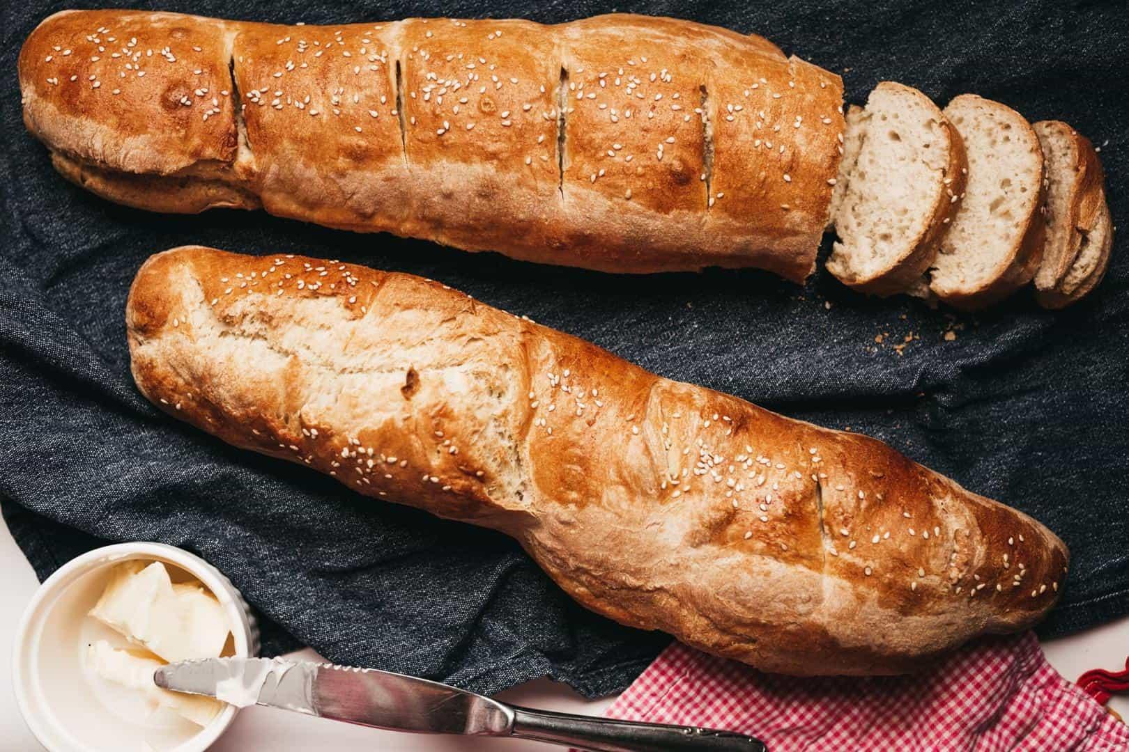 Công thức làm bánh mì pháp với máy làm bánh mì